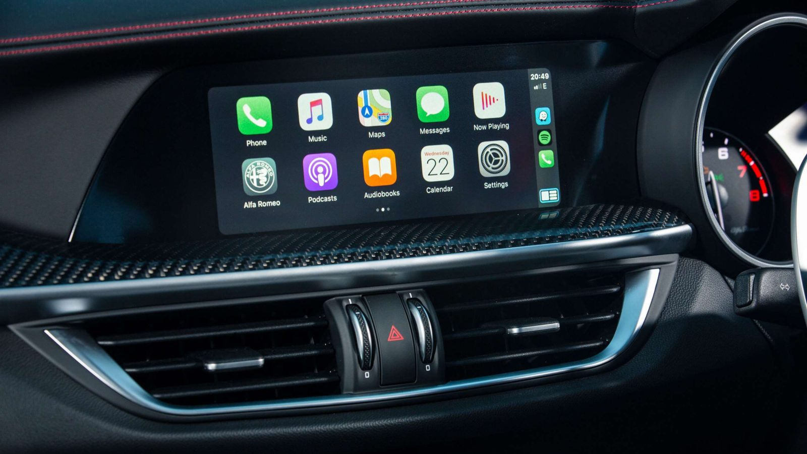 Auto Retrofit - Alfa Romeo Giulia Apple Carplay Upgrade