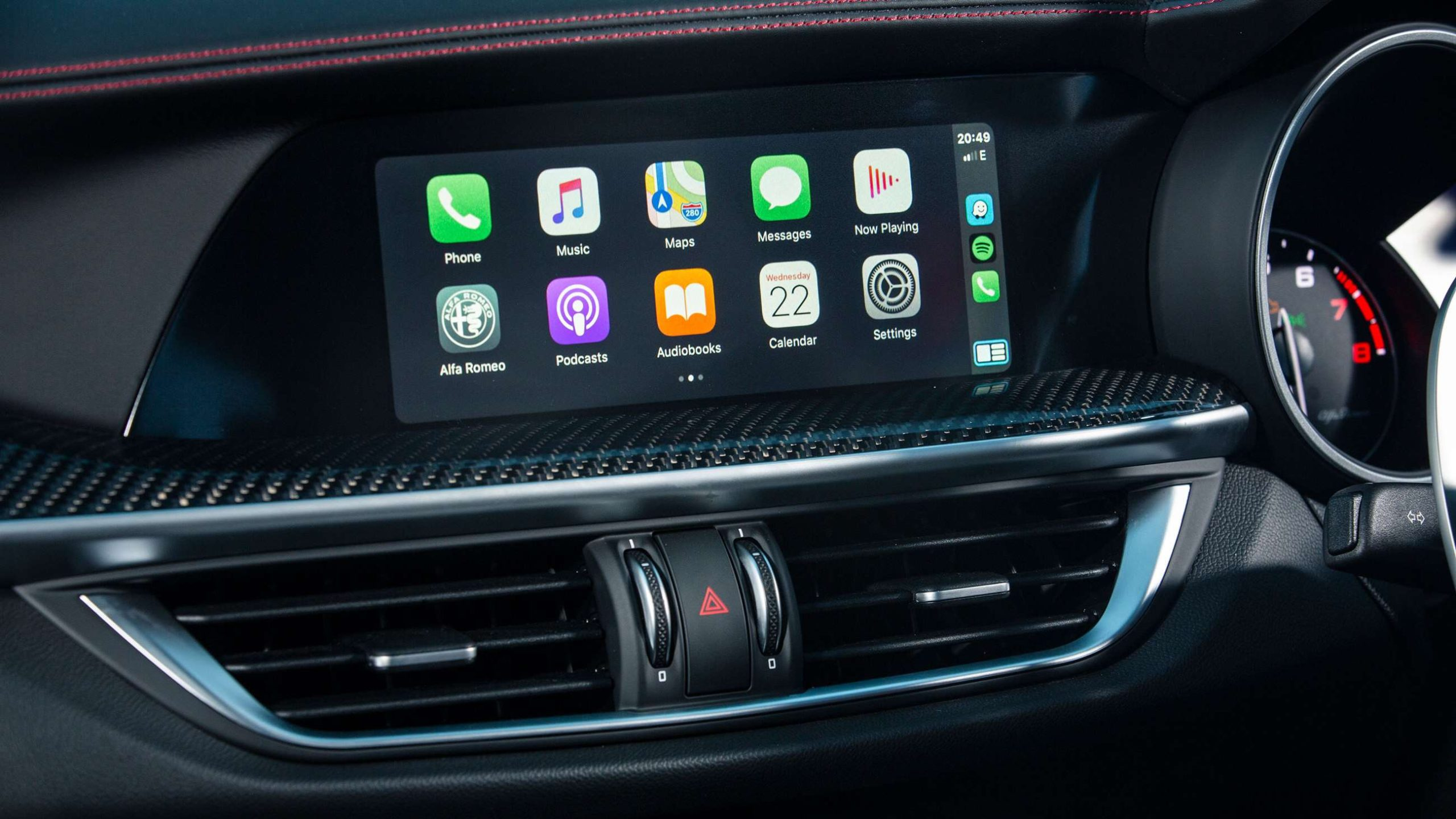 Auto Retrofit - Alfa Romeo Giulia Apple Carplay Upgrade